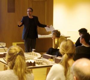 Henri Snel in gesprek met Jeanne Dekkers en Femke Feenstra over 'ontwerpen voor de zintuigen' (Dutch)