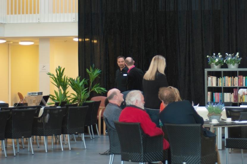 Henri Snel was voorzitter van het rondetafelgesprek over hoe een 'Collectieve Open Leefomgeving' kan worden vormgegeven met de dementerende medemens (2015)