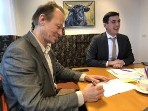 Het Landelijk Platform Odensehuizen (LPO) is officieel en Henri Snel is een van de bestuursleden (Dutch)
