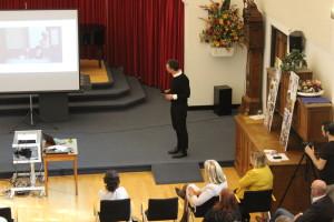 Henri Snel was spreker op het symposium: Fysieke omgeving voor mensen met dementie georganiseerd door zorgorganisatie De Zorgcirkel (Dutch)